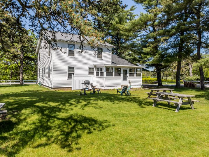 Maine vacation rental, Hess-Mahan 1B, Saco, Maine.